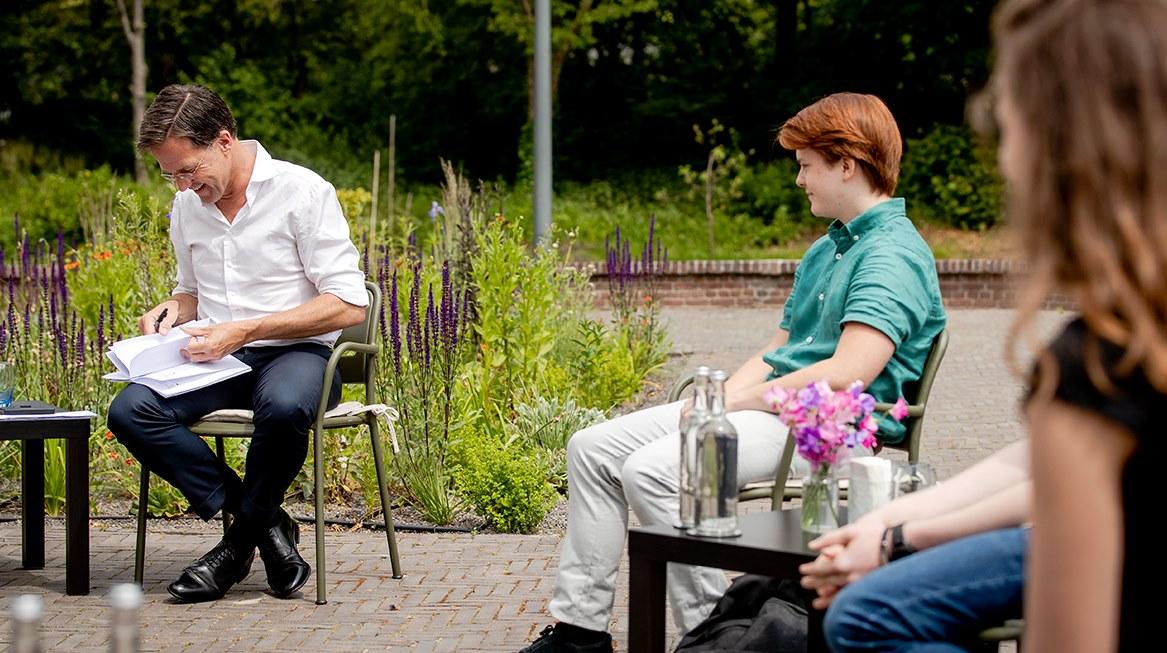 Tobias op bezoek bij Mark Rutte Catshuis